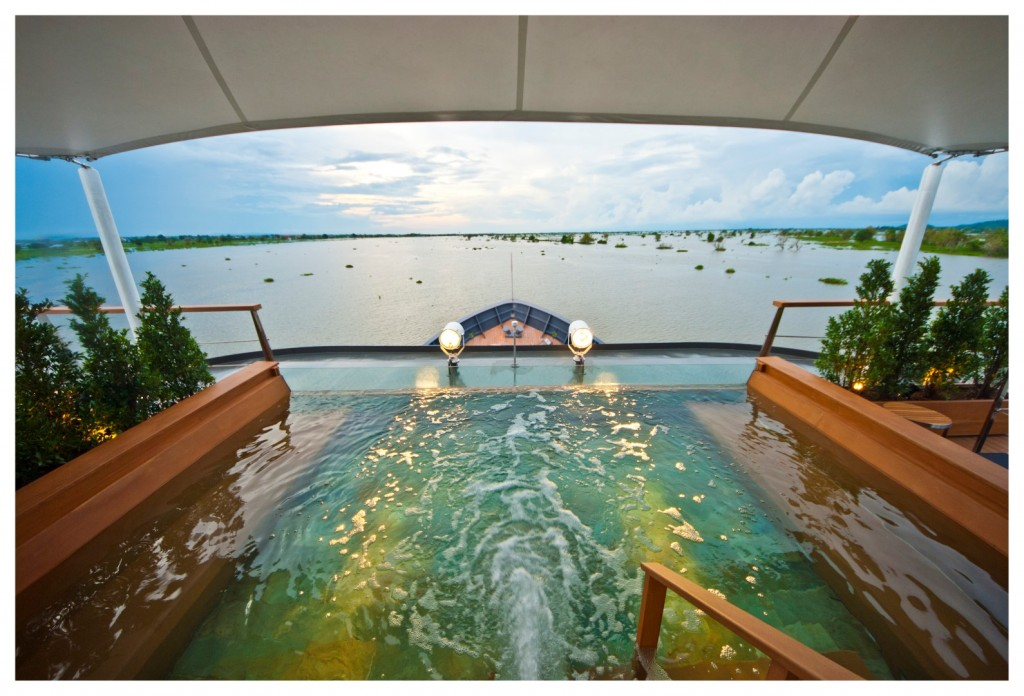 Aqua Mekong Outdoor Top Deck Plunge Pool - High Resolution (Large)