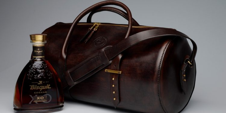 W&M Travel Bag with Bisquit XO Cognac (Large)