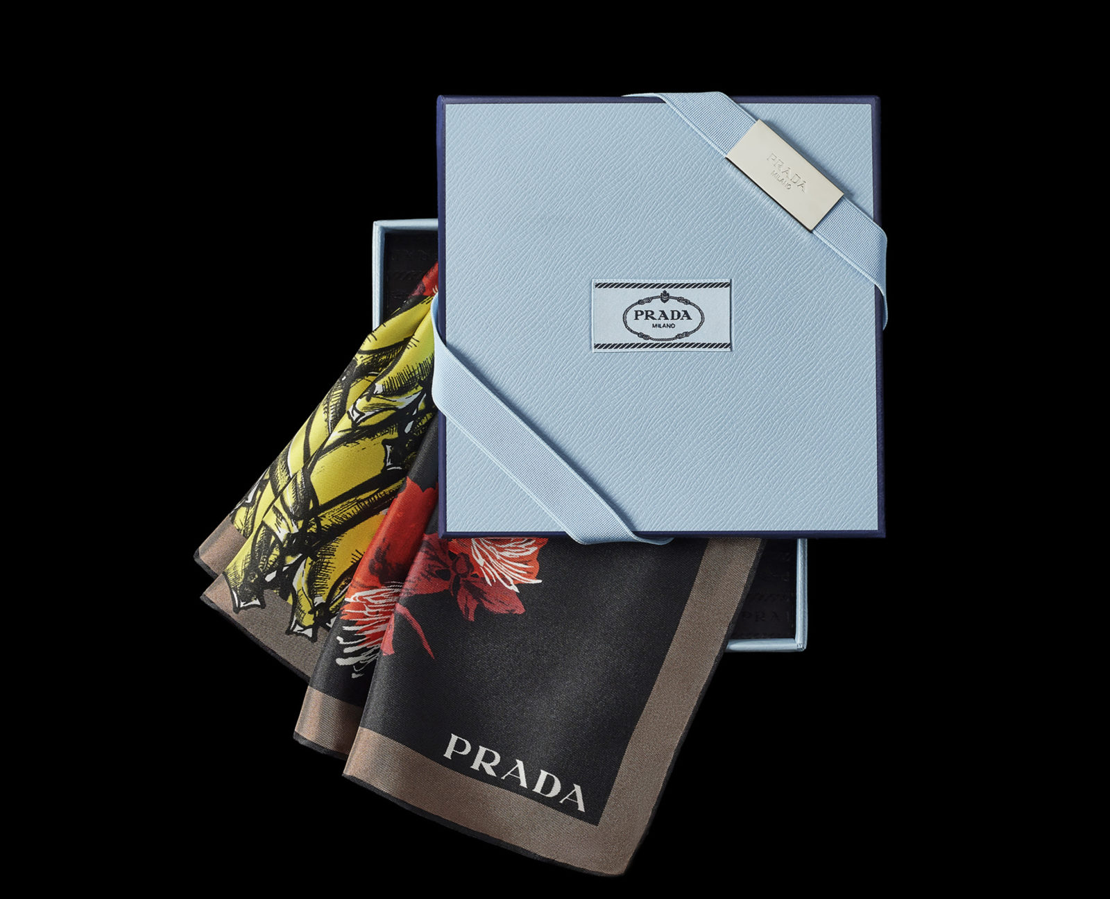 PRESTIGE_PRADA_Fashion_Prada Foulard Collection