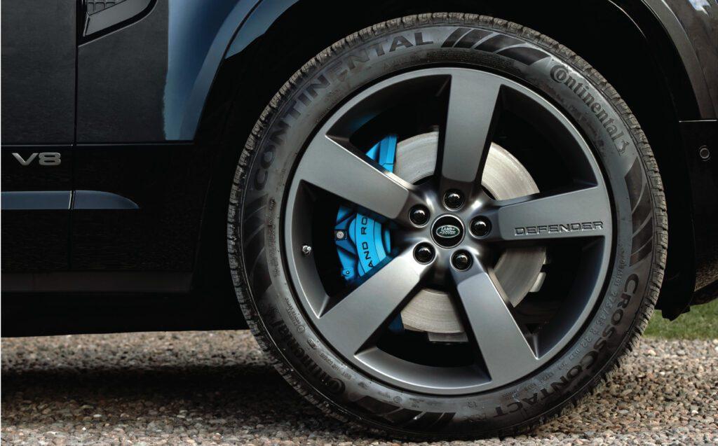 Xenon Blue Brake Callipers