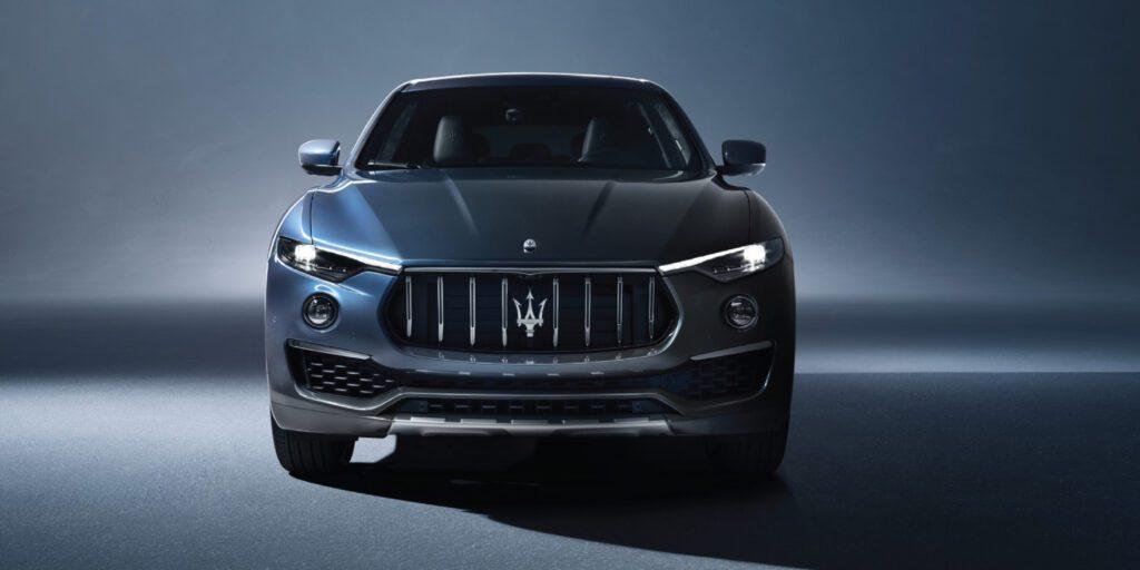 Maserati Levante Hybrid side front