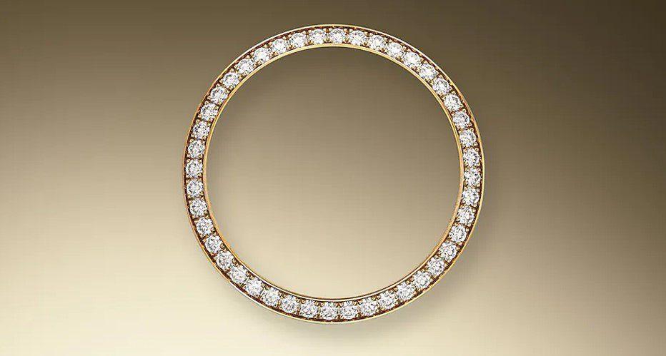 The Roxlex diamond-set bezel